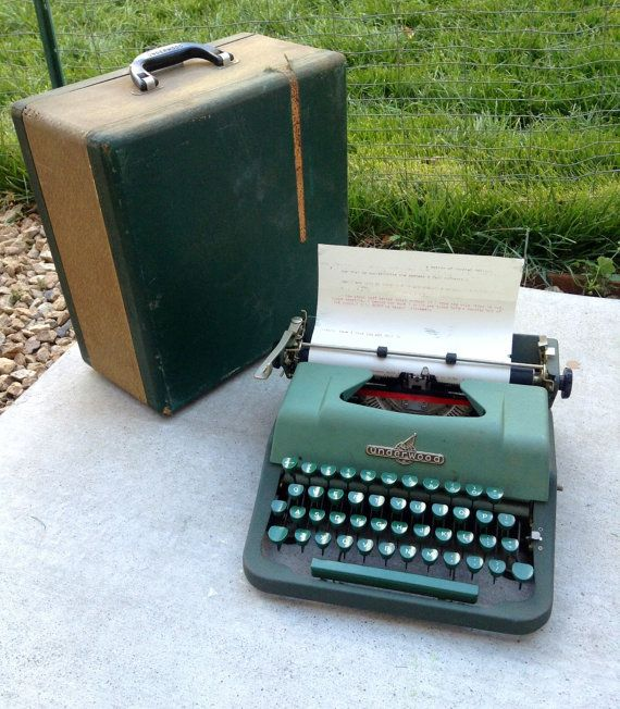 Vintage 1950's Army Green Underwood Jewell Typewriter with Case, Working, Manual Typewriter, Portable Typewriter, Works Well, Good Condition