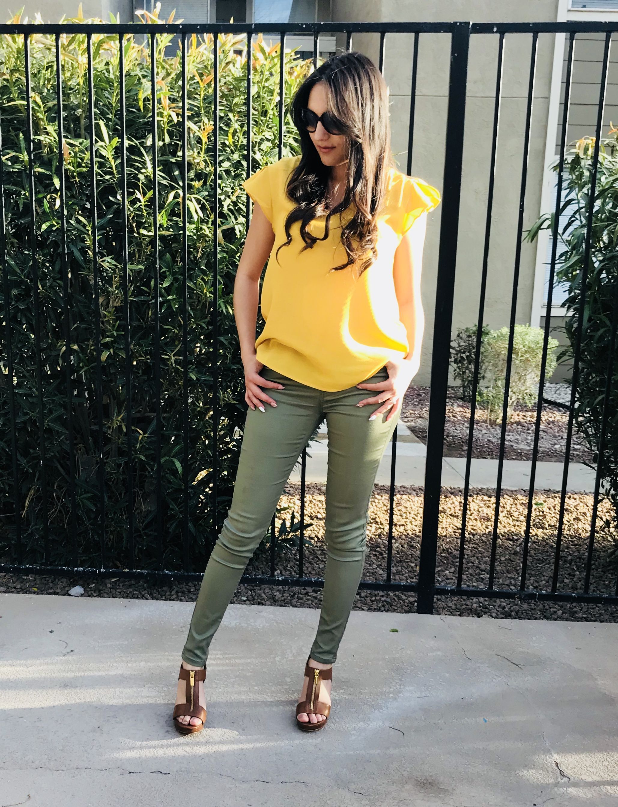 work outfit olive green pants yellow blouse brown heels michael