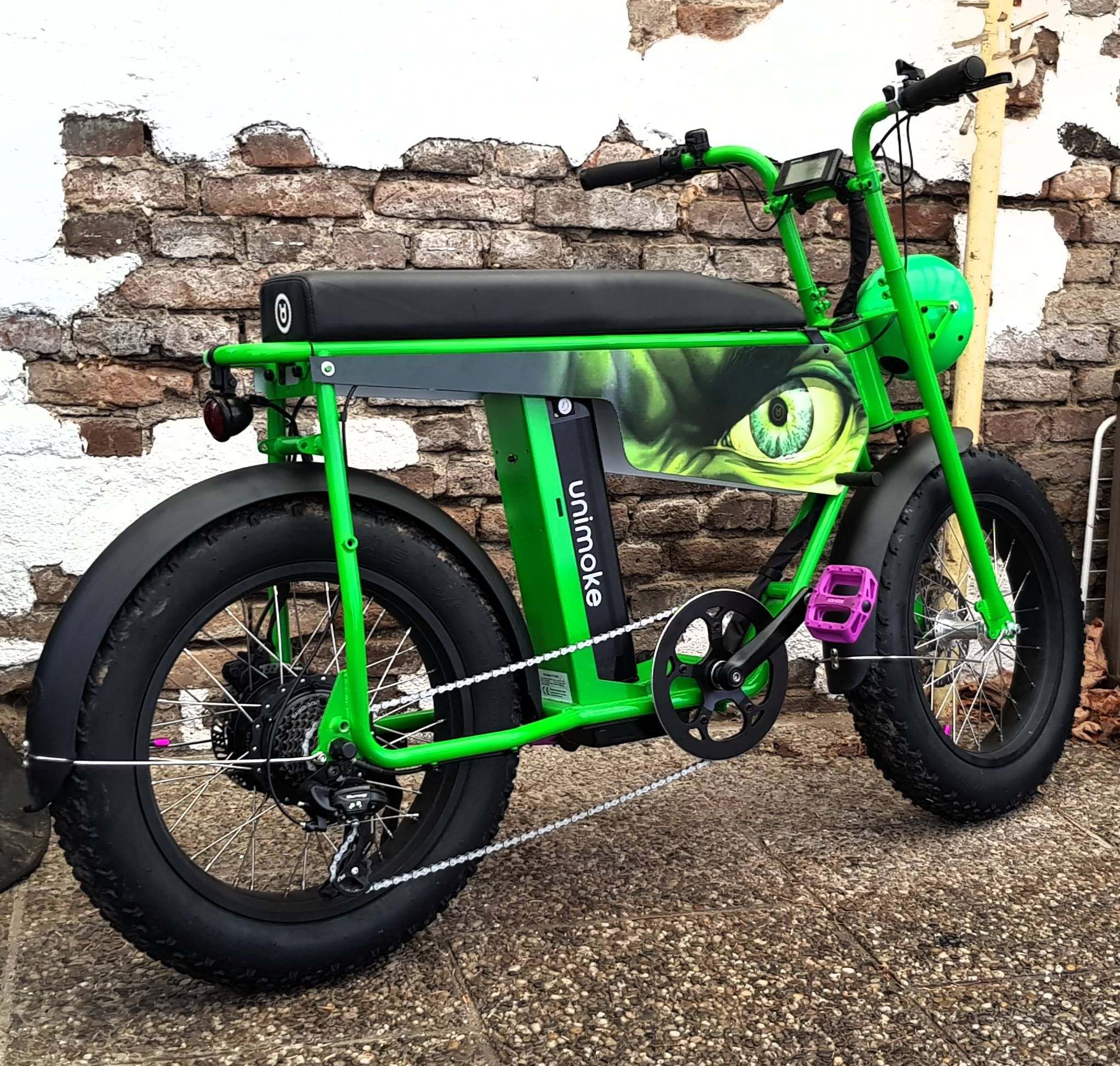 Our UNI Moke Owners really make sure to have 100% unique bike configurations like this custom built lime green one: The HULK!  Join our community here: