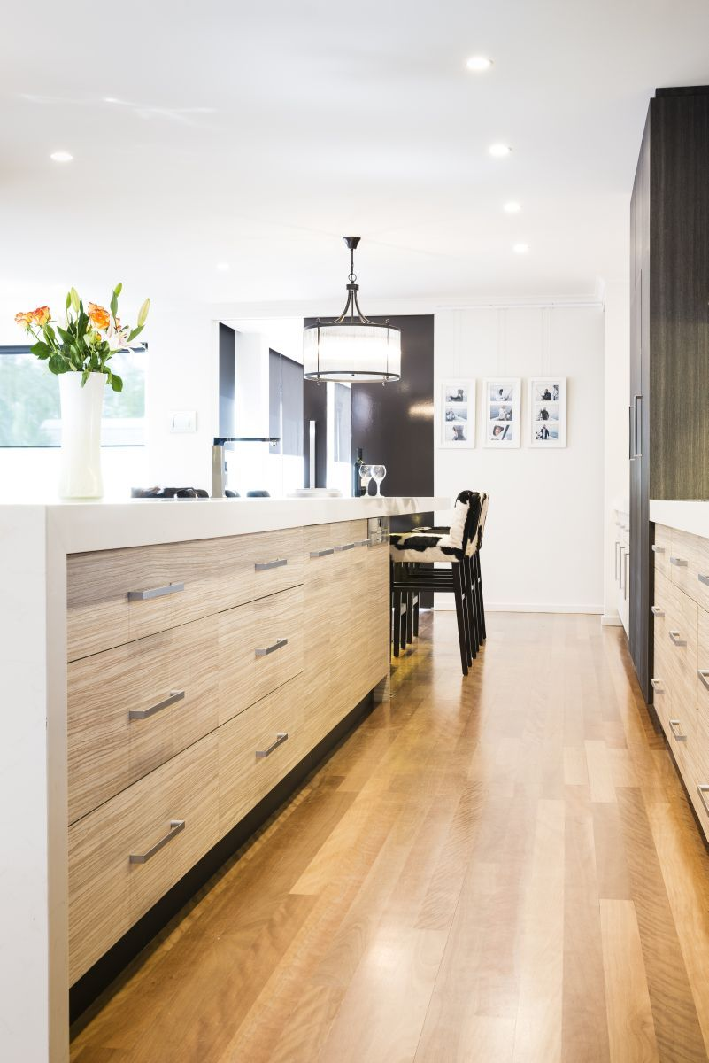 like the use of timber and white - Smith & Smith Melbourne | Kitchen ...