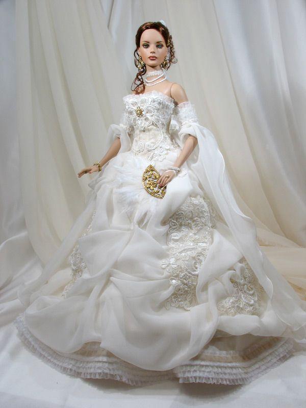 Barbie Mariée, Mode Urbaine, Poupées Mannequins, Robe Mariée, Les Poupées,  Robe De Mariée Barbie, Poupée Barbie, Poupées De Mariée, Robes Novia