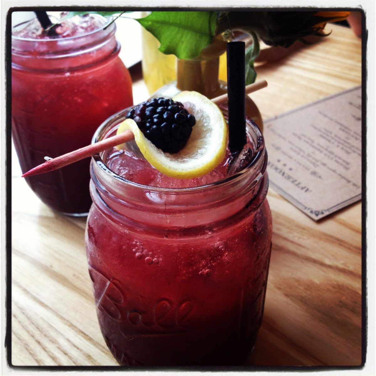 Blackberry-Bourbon Lemonade #lemonadepunch