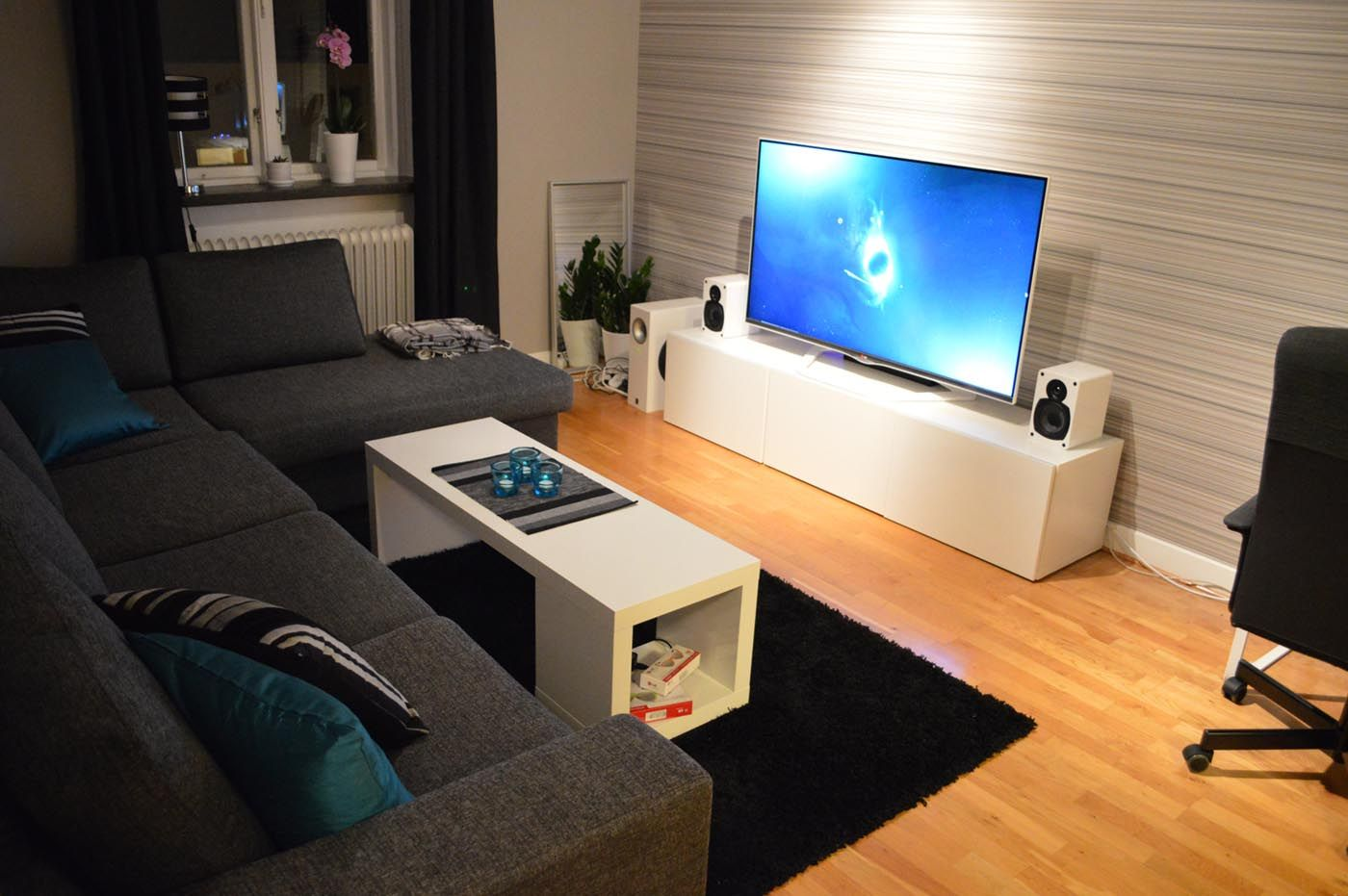 Reddit The Front Page Of The Internet Small Room Design Living Room Decor Apartment Small Apartment Living Room