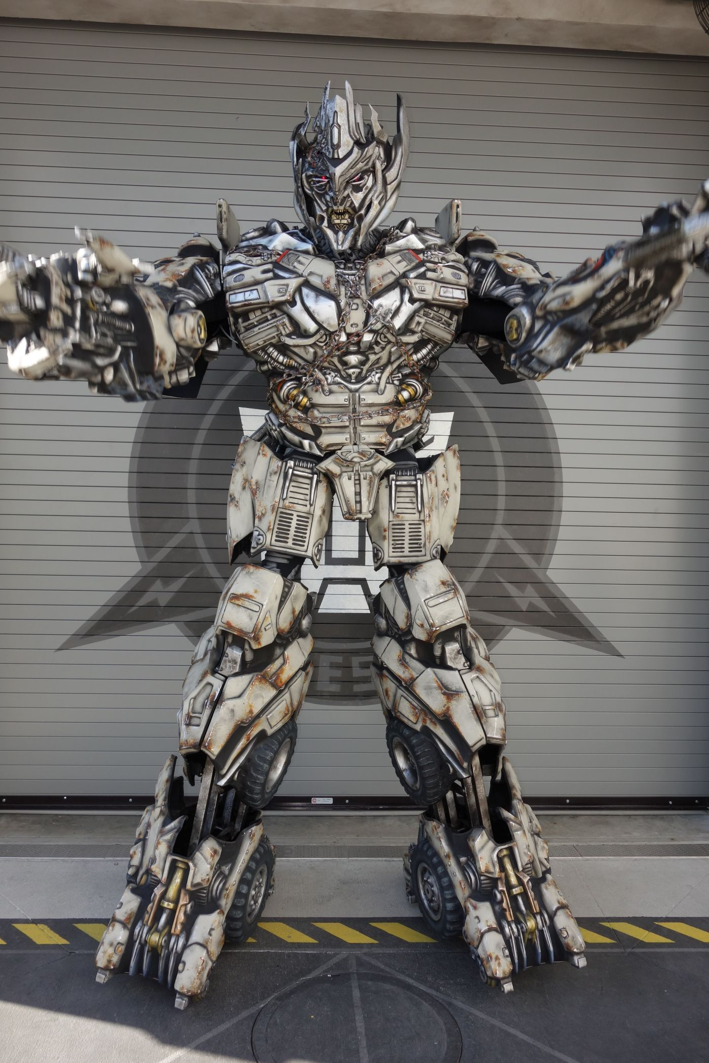 Universal Studios Orlando Transformers Megatron Meet And Greet 5