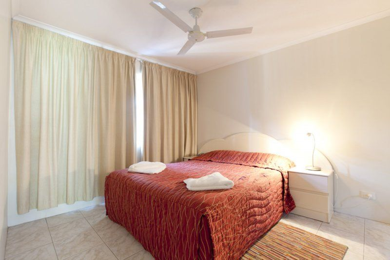 Cannes Court Main Bedroom In 2 Bedroom Unit Gold Coast Holiday Packages Holiday Apartments Home Decor Apartment