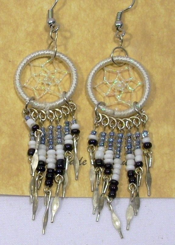 4f971b32d White & Black Hand Crafted Threaded Artisan Dream Catcher Earrings Peru NEW