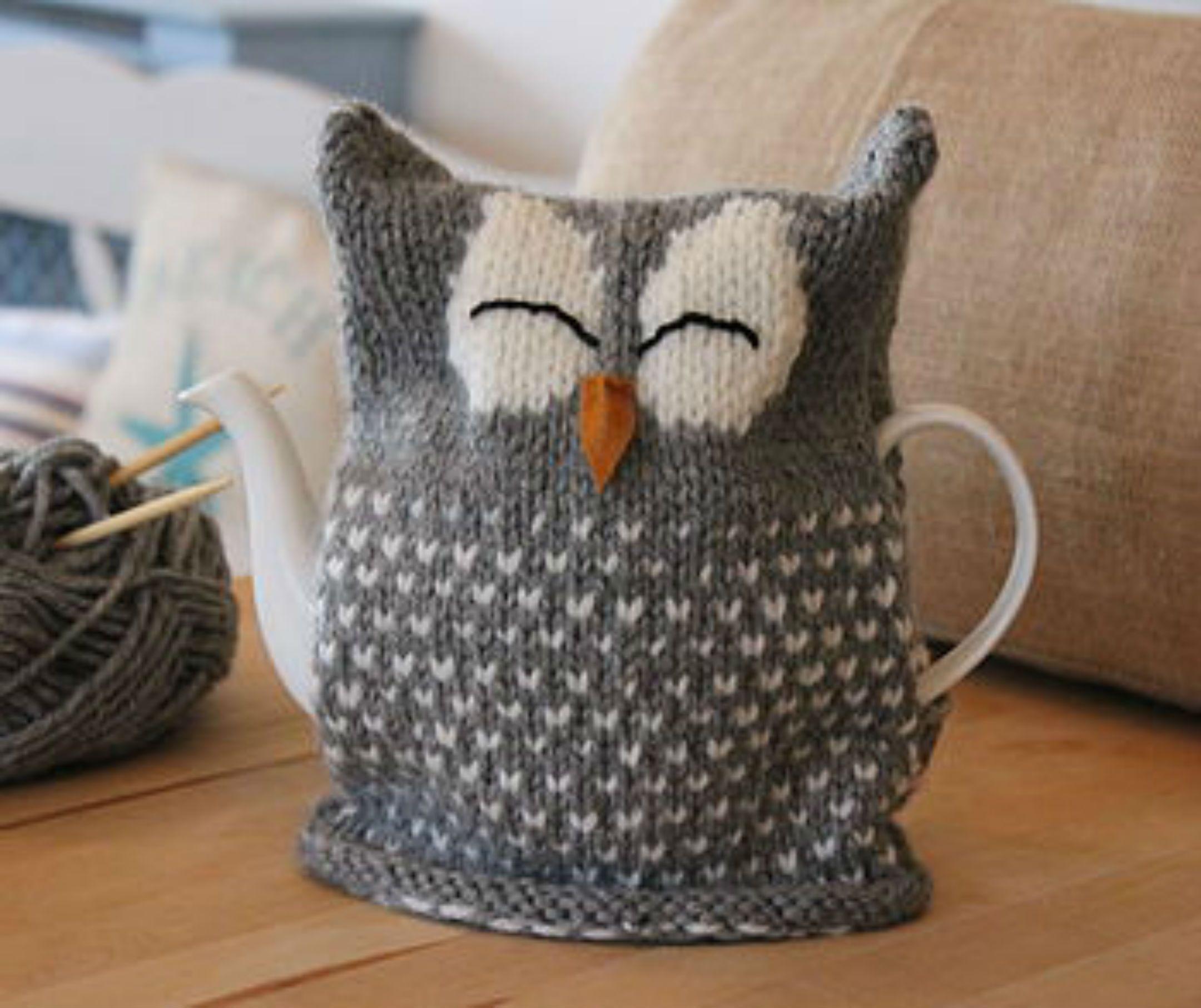 Cute owl tea cosy shared on the LoveKnitting Community.