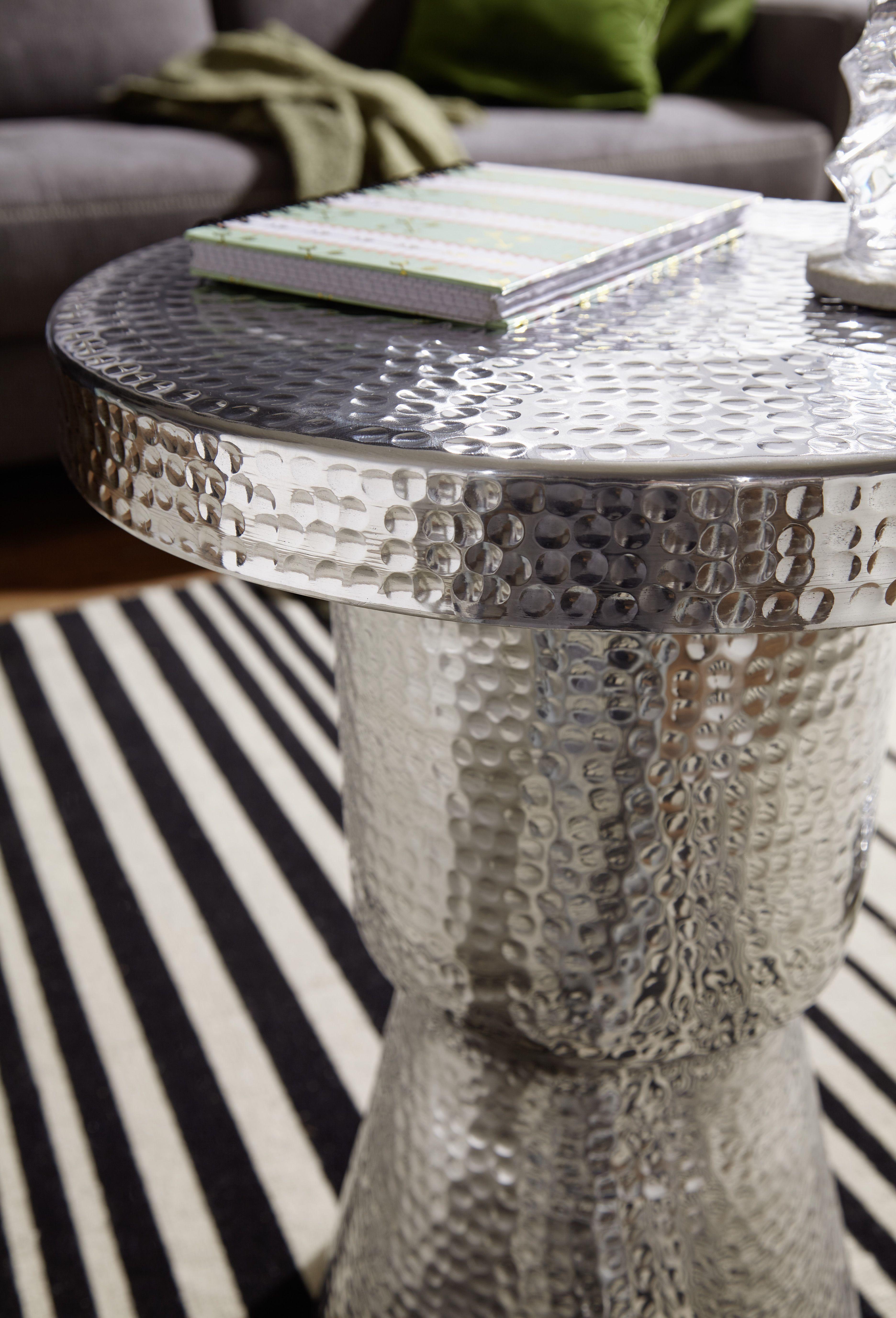 Wohnling Beistelltisch Delyla Silber Wl5 478 Aus Aluminium Silber Metall Wohnidee Dekoration Ablage Wohnen Vasenf Aluminium Beistelltische Beistelltisch