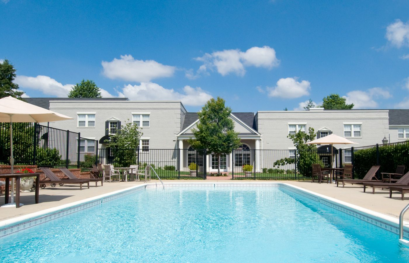 877 757 4252 | 1 3 Bedroom | 1 2 Bath Myerton Apartments 108 S Courthouse  Rd, Arlington, VA. 22204 | Washington DC Metro Apartments For Rent |  Pinterest ...