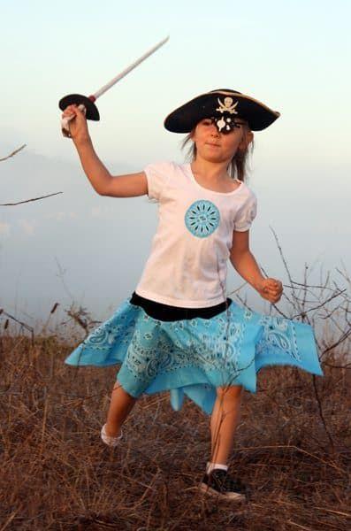 DIY Pirate Costumes for Kids #diypiratecostumeforkids