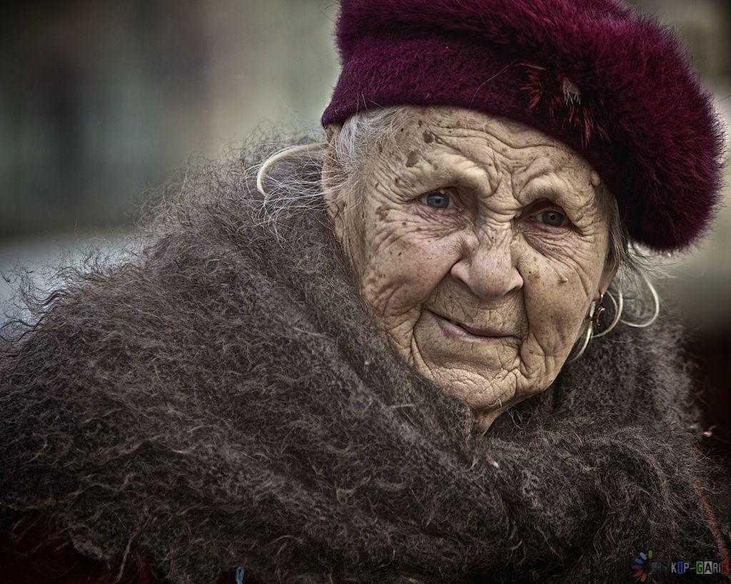 Пуховый платок - Garik - ЛенсАрт.ру | Фотографии, Бабушки