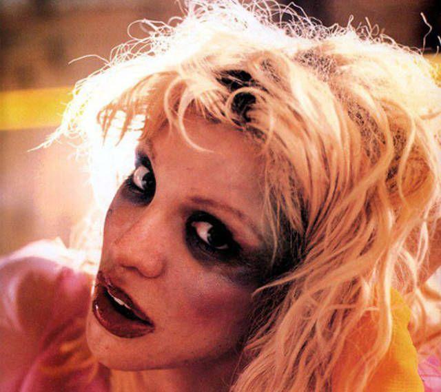 Astonishing Courtney Love 90S Grunge Beauty Fuck Yea Love The Ugly Betties Of Short Hairstyles Gunalazisus