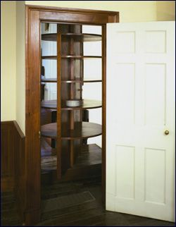 Jefferson\u0027s revolving door dumbwaiter & Jefferson\u0027s revolving door dumbwaiter | Th.J | Pinterest | Doors and ...