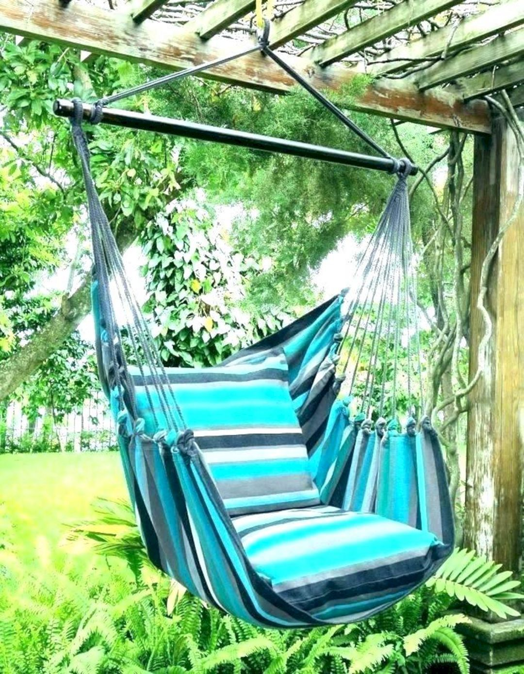 15 Unbelievable Outdoor Swing Hammock Ideas For A Place To Relaxation Hanging Hammock Chair Outdoor Hammock Swing Outdoor Hammock
