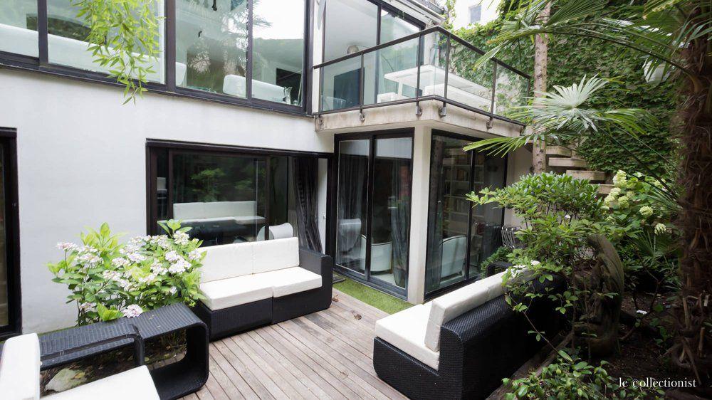 Jardin japonais cour intérieure salon de jardin terrasse bois ...