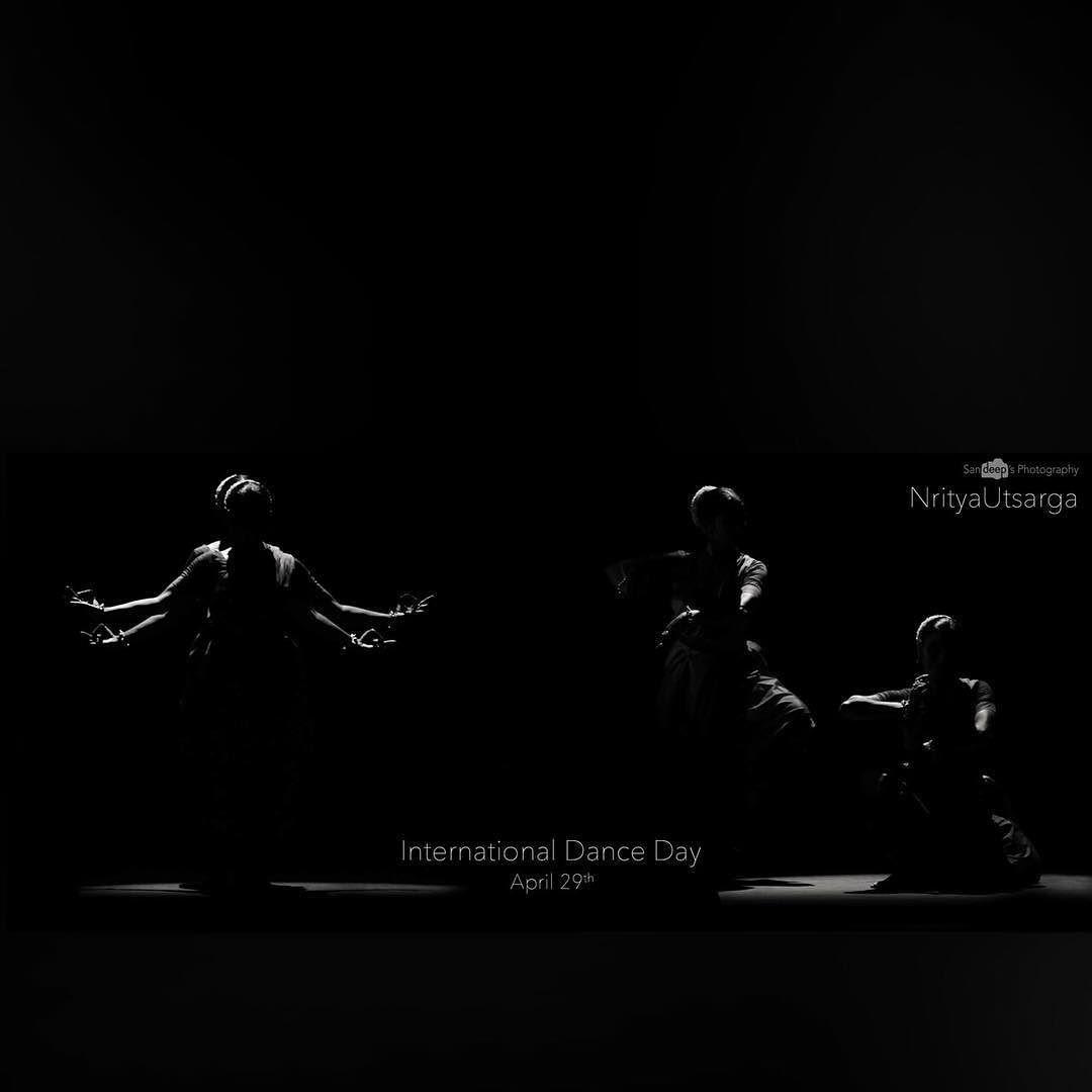 International Dance Day #dance #bw #blackandwhite #dancers #event #wish #shadow #light