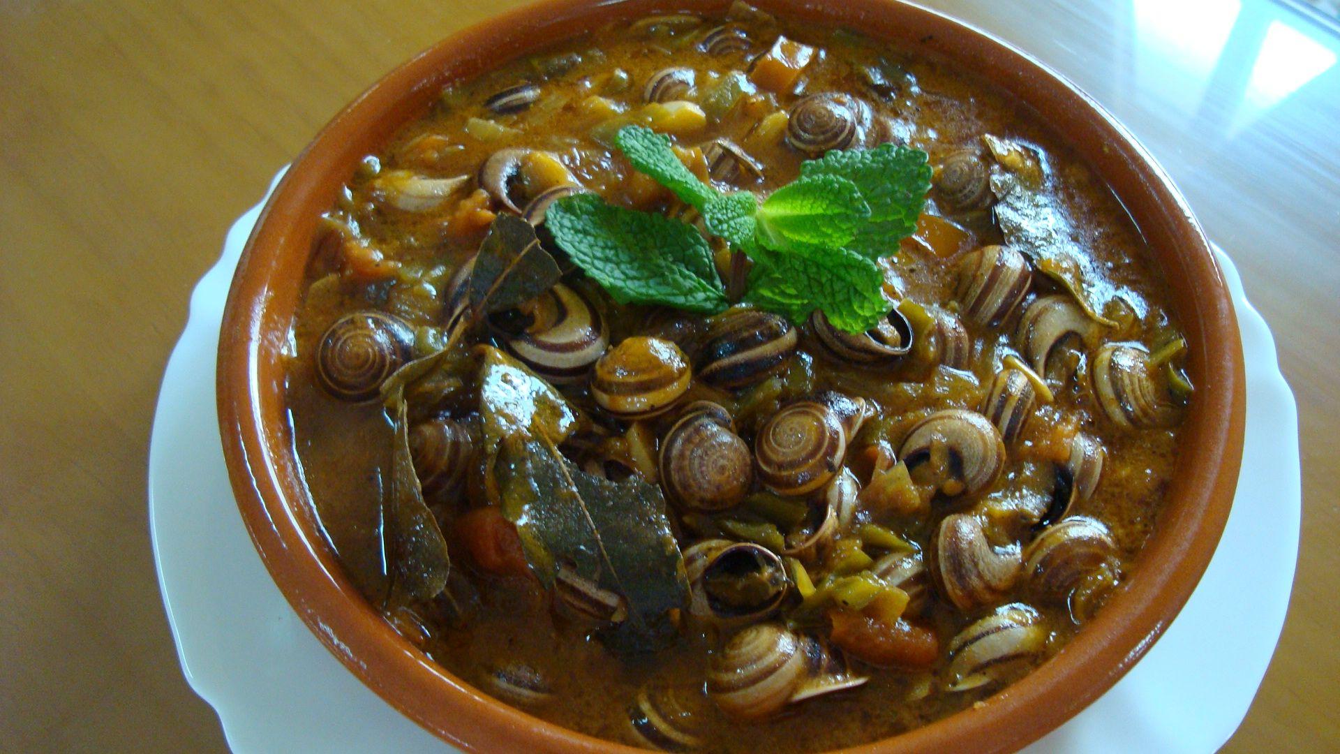 Caracoles receta tipica de ceuta gastronom a espa ola for Caracol de jardin alimentacion