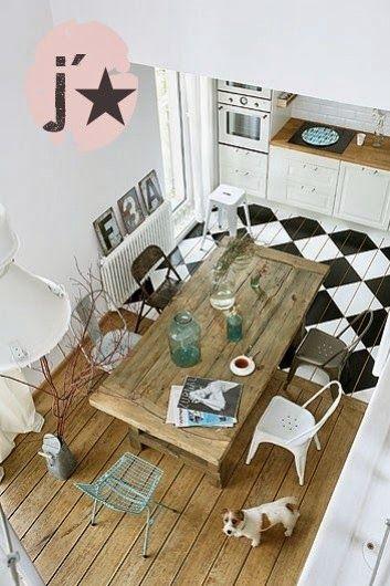 Un damier noir et blanc au sol Interiors and House - Chambre Des Metiers Boulogne Sur Mer