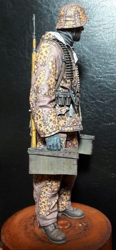German Ammo Carrier, Alpine Miniatures 1/16
