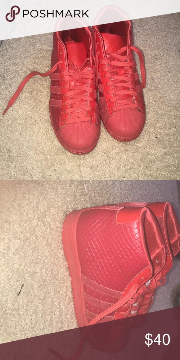 High top shell toe adidas size 4 (boys) High top shell toe adidas size 4( boys) adidas Shoes Sneakers 898134e1f2