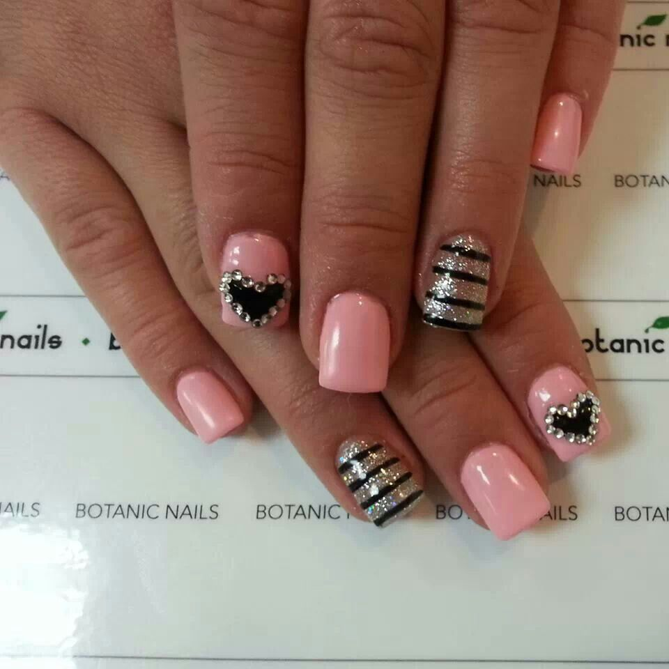 light pink with silver & black designs | gettn my nails did