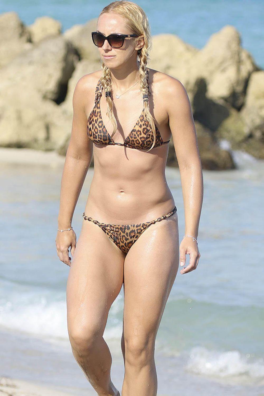 Naomi Broady Bikini Nude Photos 68