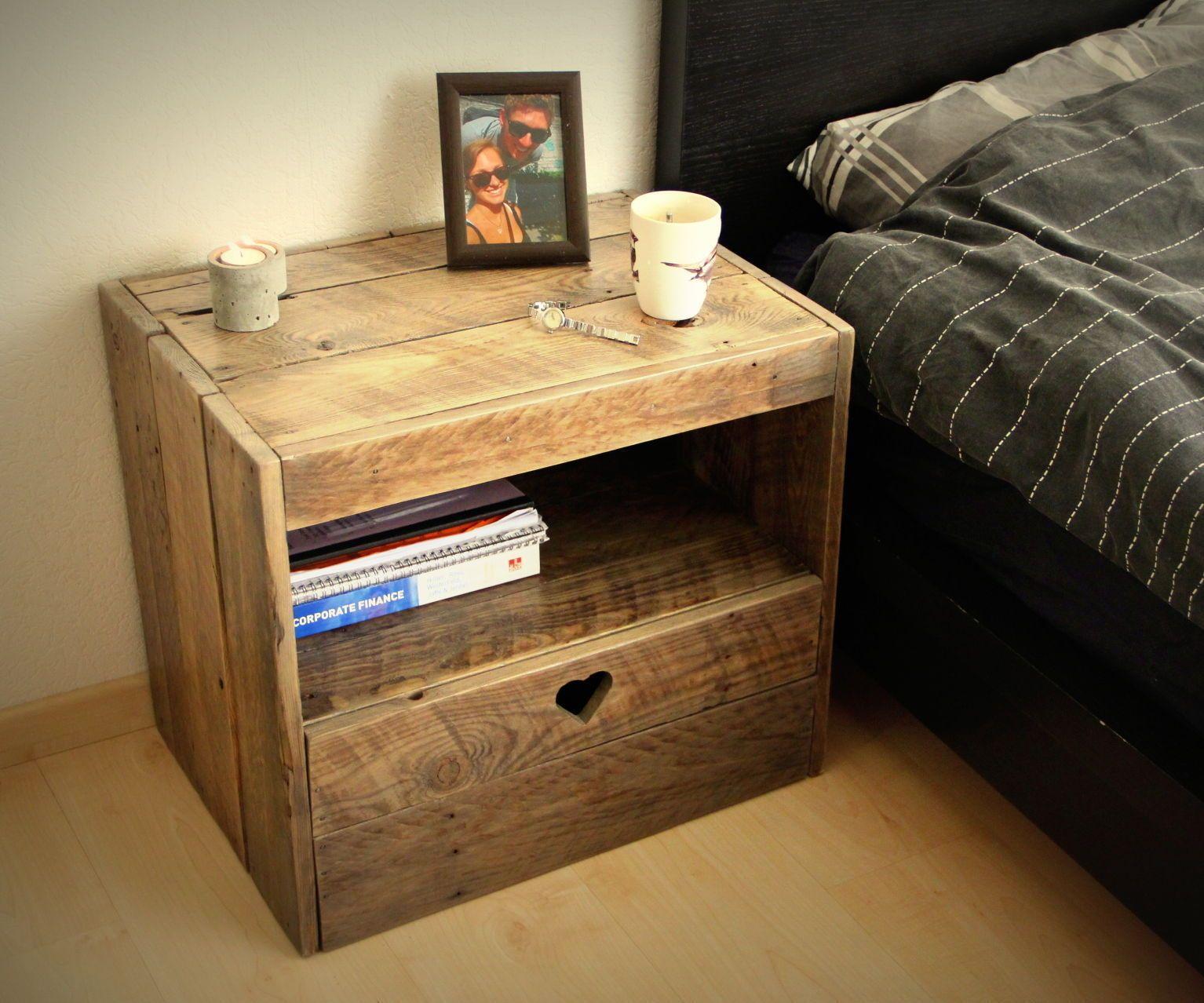 Pallet bedroom furniture plans - Pallet Nightstand