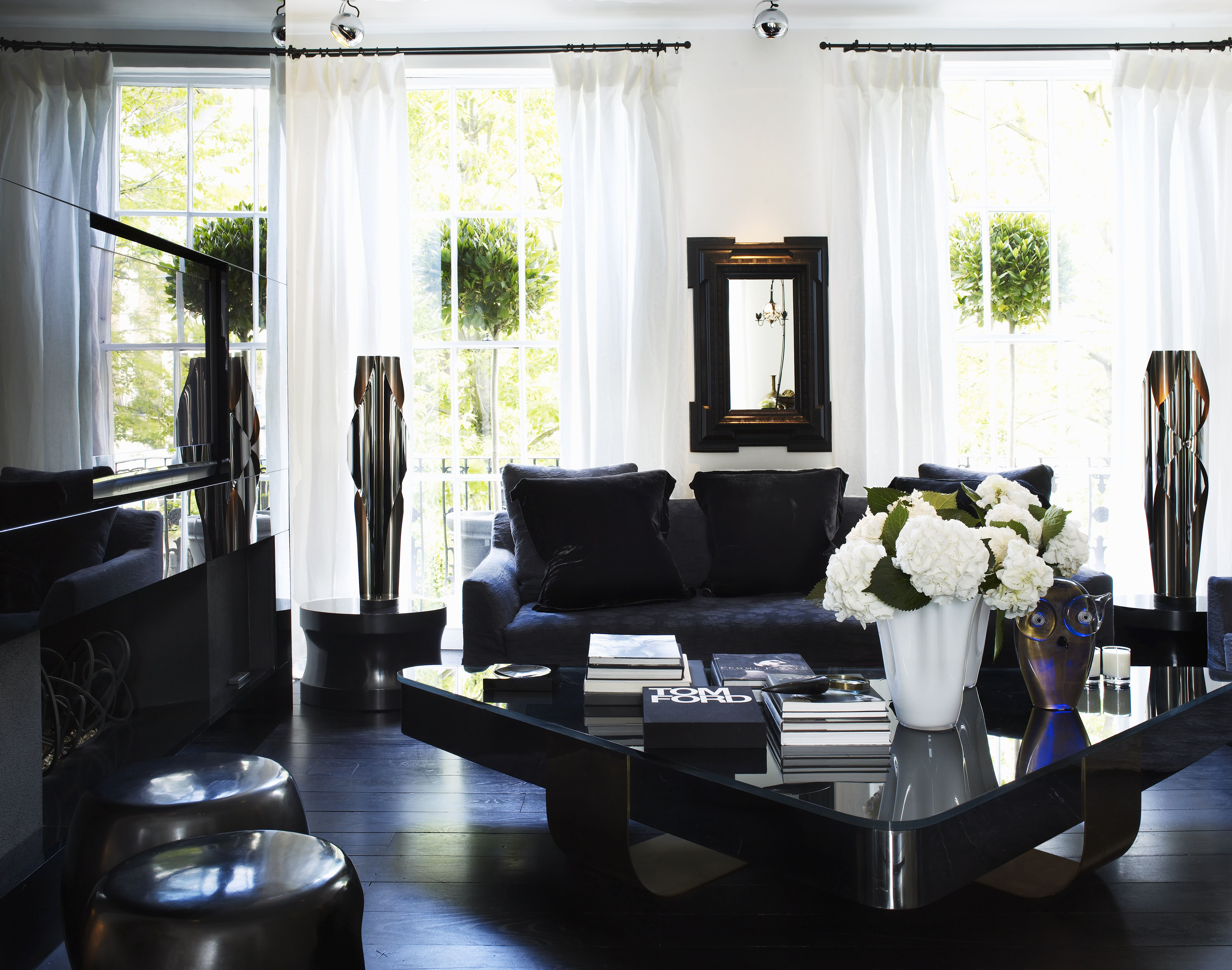 The london home of kelly hoppen mbe wohnzimmer for Kurse innenarchitektur