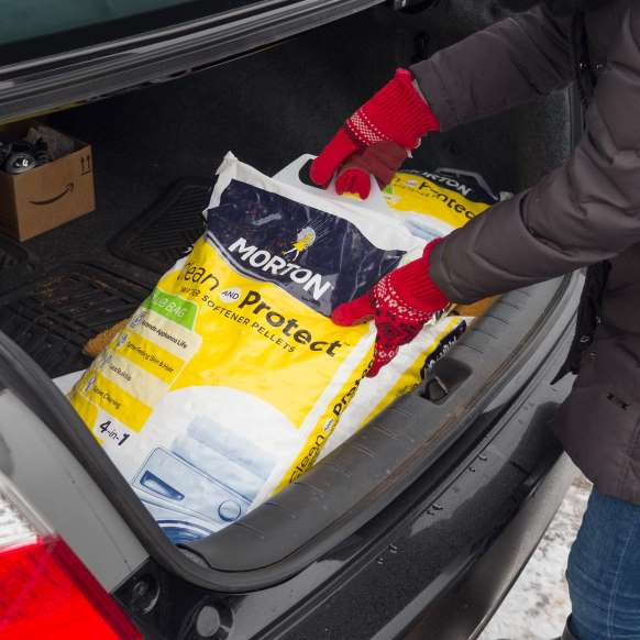 Helpful hint for winter driving - Family Handyman #familyhandymanstuff