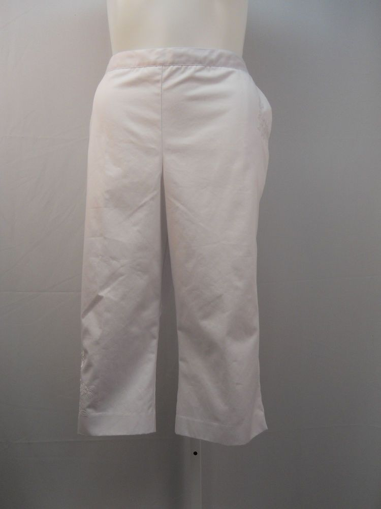 a4f72ce2fd9 Alfred Dunner White Embroidered Pocket Cuff Elastic Straight Legs Capris  Size 20