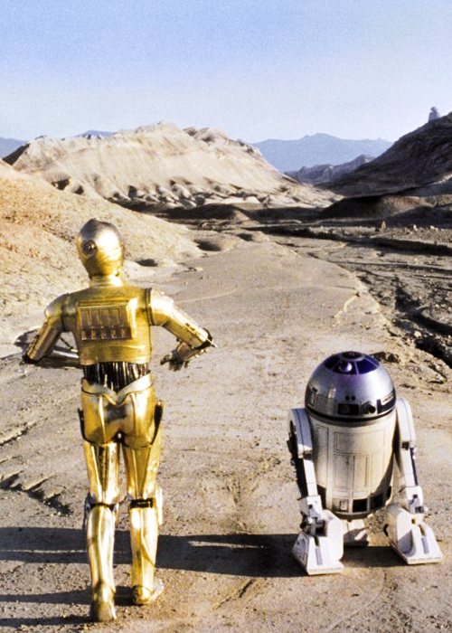 Star Wars cp30 and R2D2 in the desert