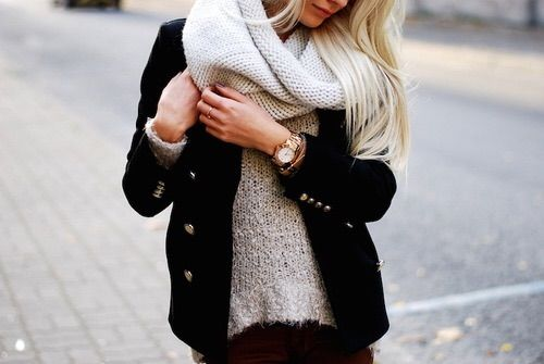 Bild via We Heart It https://weheartit.com/entry/159686349/via/29632018 #blonde #clothes #fashion #girl #outfit #pretty #style