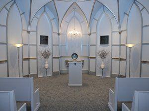 Chapelle Du Jardin At Paris Hotel Las Vegas A Modern Style Wedding Chapel