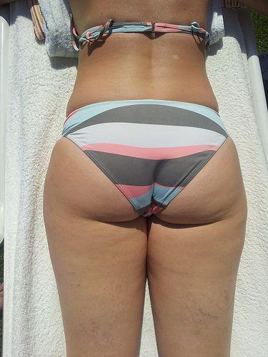 Candid bikini ass