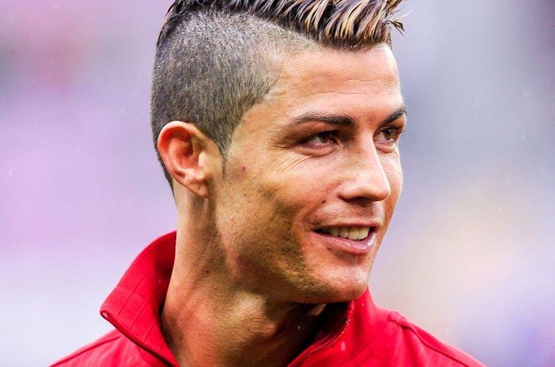 Pin By Cristiana Ronalda 7 On Cristiano Ronaldo Ronaldo New Hairstyle Cristiano Ronaldo Haircut Cristiano Ronaldo News