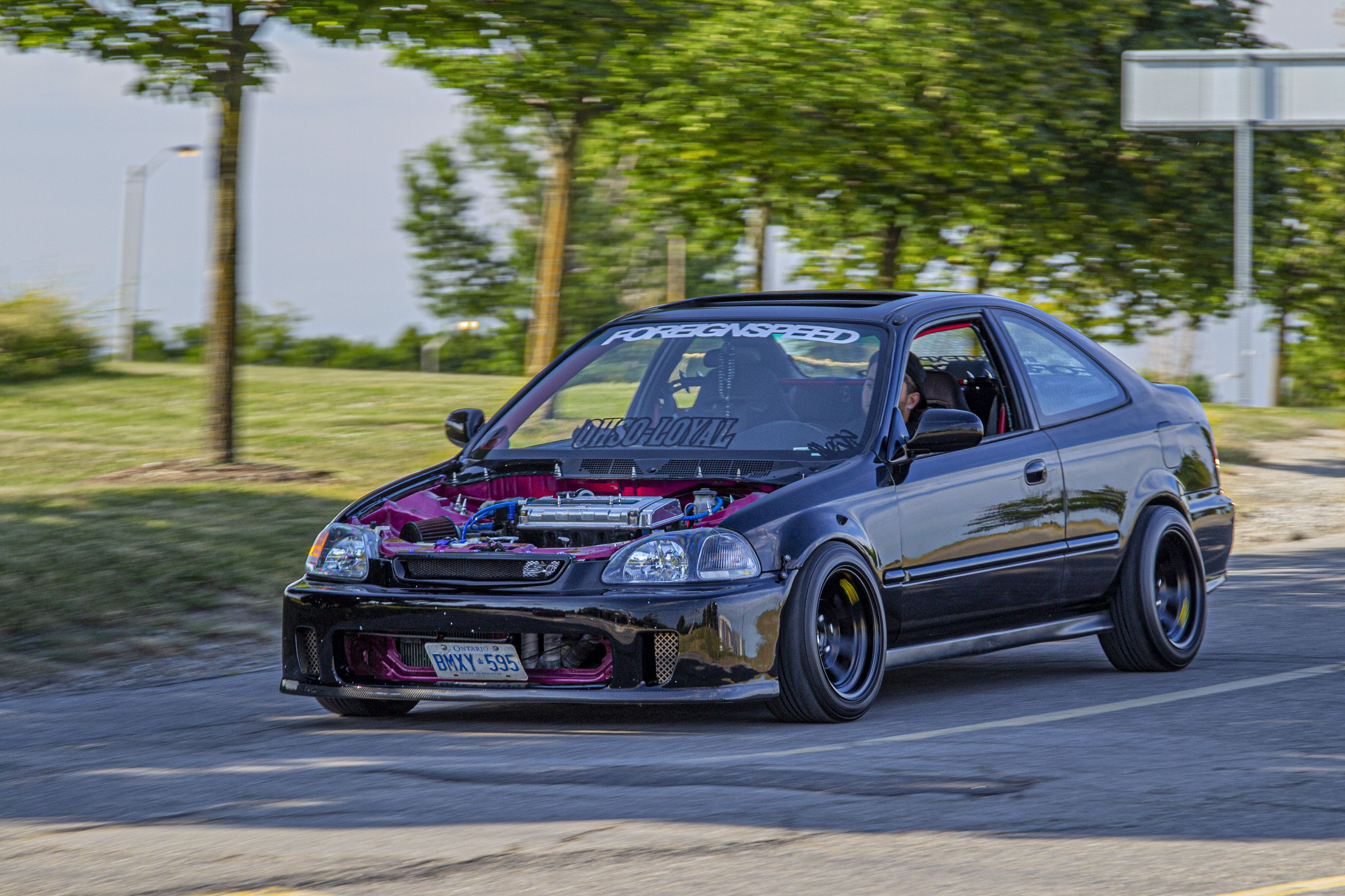 Honda civic no hood because clean engine bay