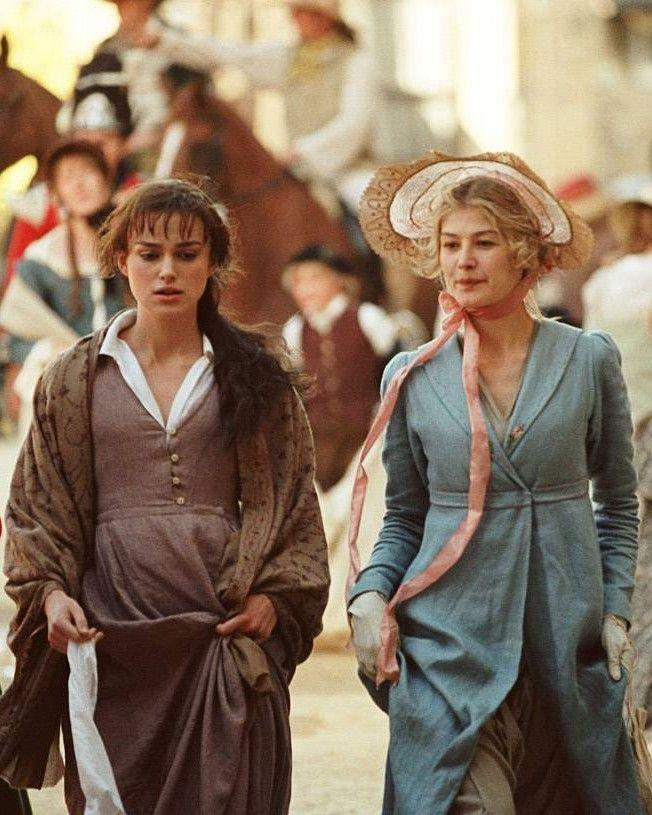 Keira Knightley (Elizabeth Bennet) & Rosamund Pike (Jane Bennet), Pride and Prejudice (2005)