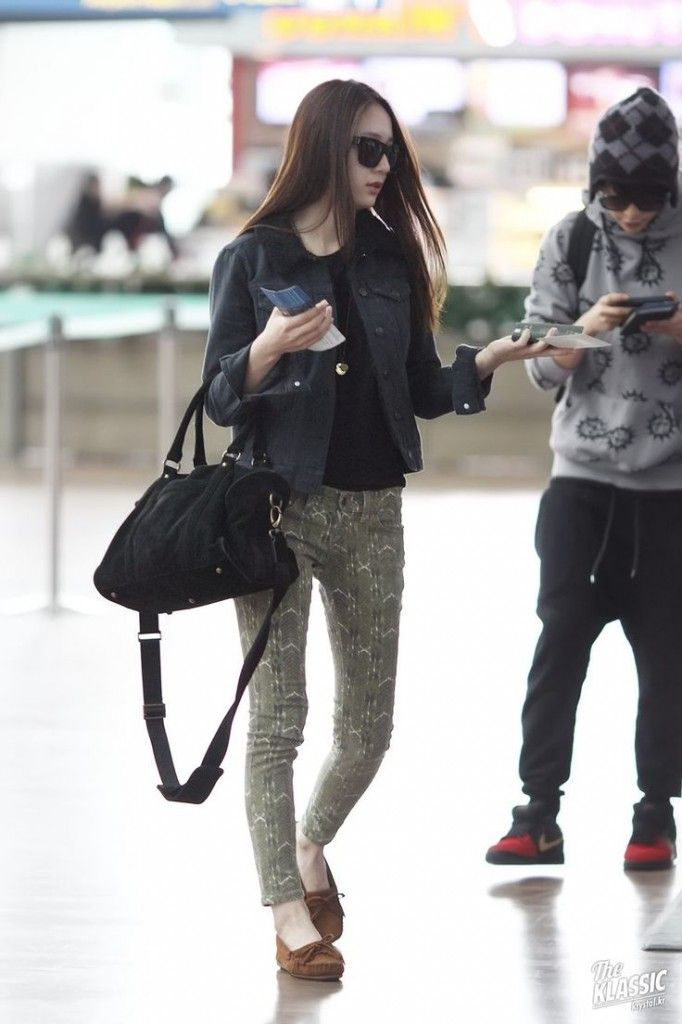 Who is known as the best fashion idol. We've compiled idols with the best  style. It's going to be all about the airport fashion of the k-pop idols.
