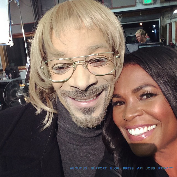 Snoop Dogg Dresses In Whiteface & Gets Love From Nia Long