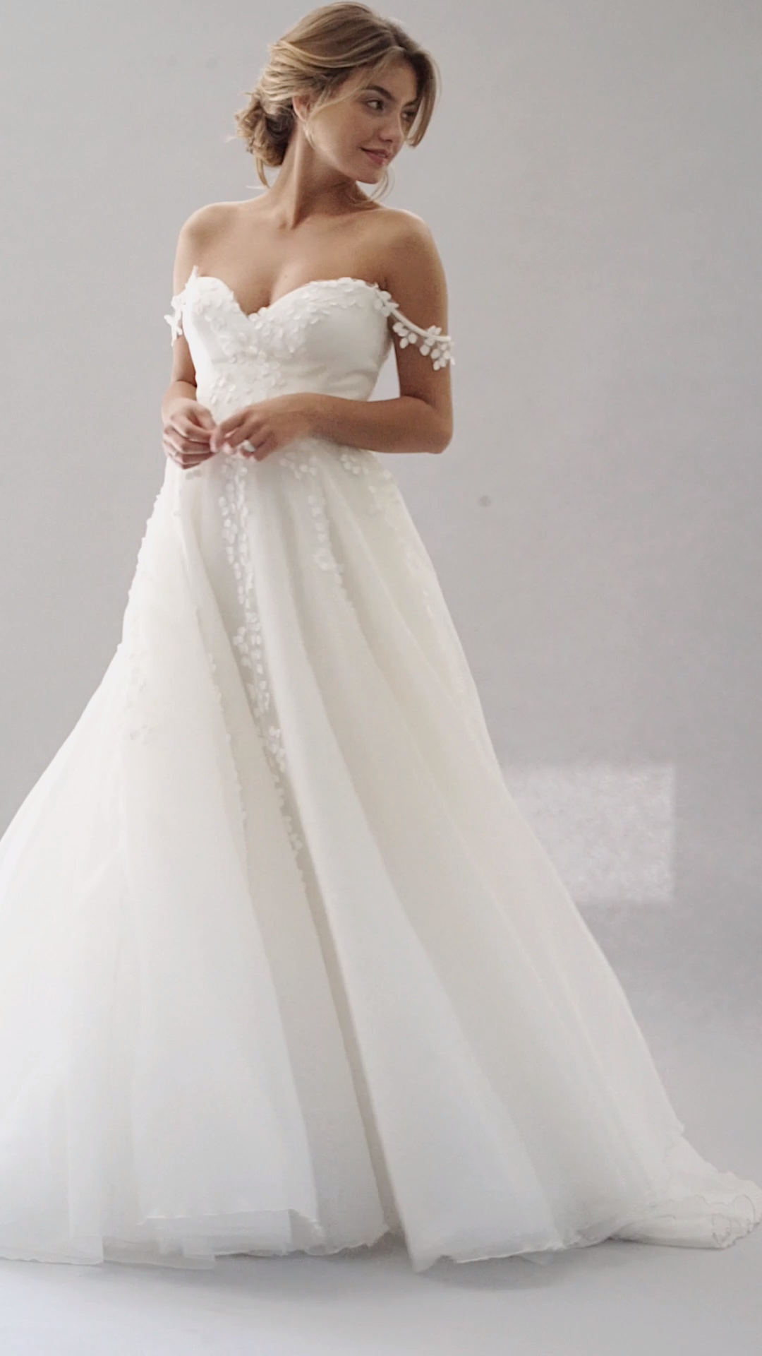 """Elegant Embellished Strapless Sweetheart A-Lane Wedding Dress / Bridal Gown with a Train. Collection """"Love Stories"""" 2019 by Stephanie Allin"""