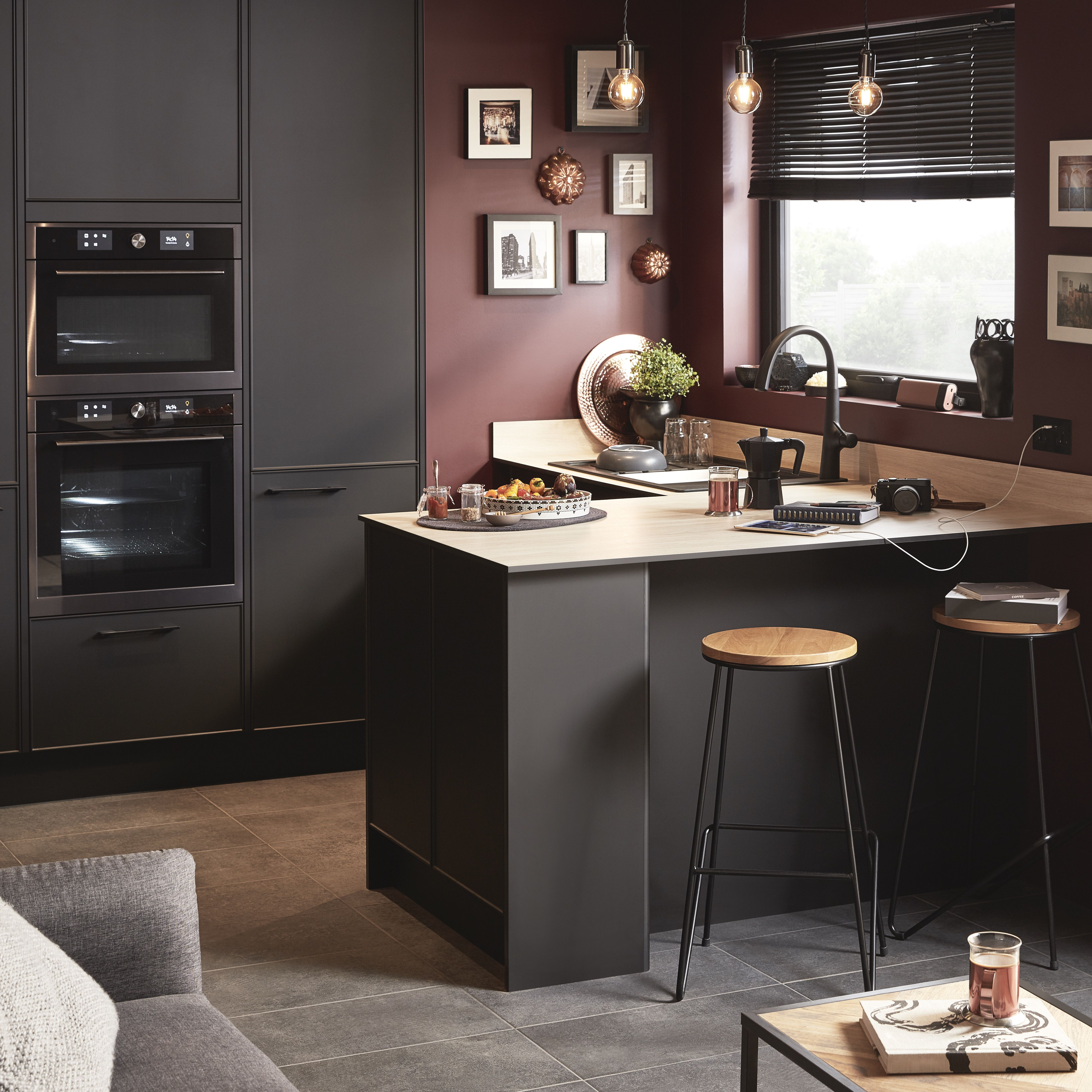 Ideal for small kitchens, our pasilla range has a slimmed