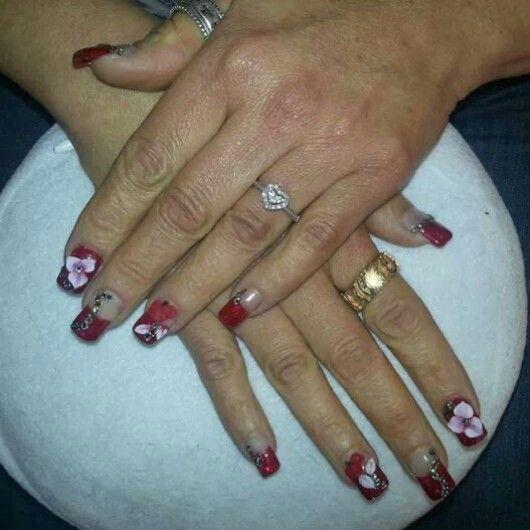 #acrilicnails #nails #organic #organicnails #acrilic #swarovsky #flowers #3D #rednails