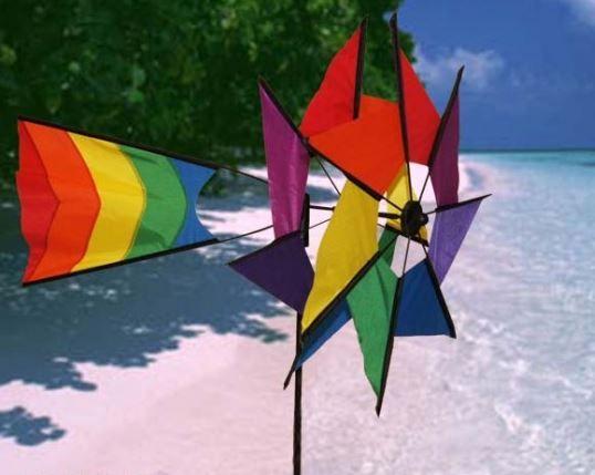 Je kunt ons altijd blij maken met regenboog spullen.