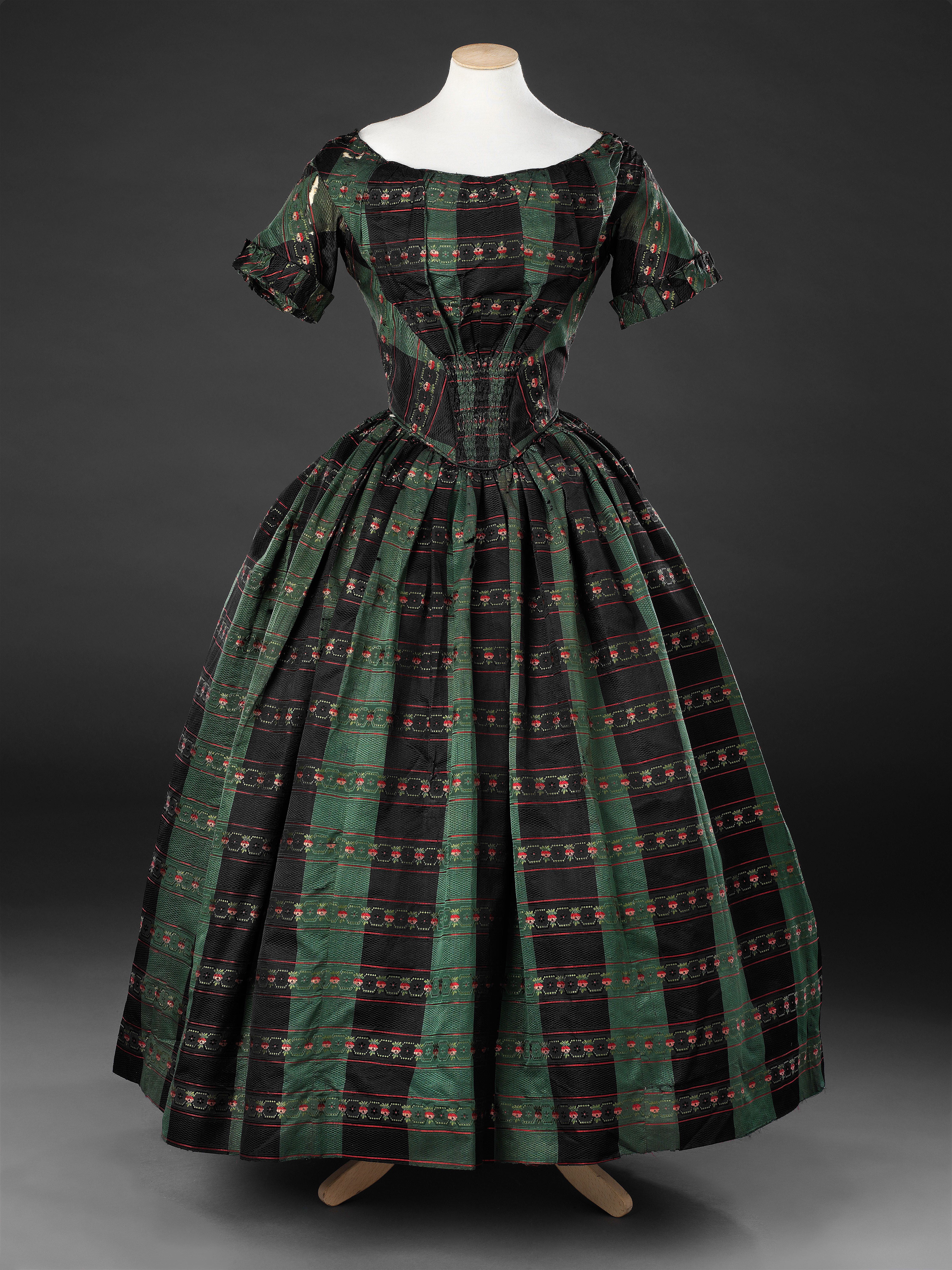 Dress Mid To Late 1840s