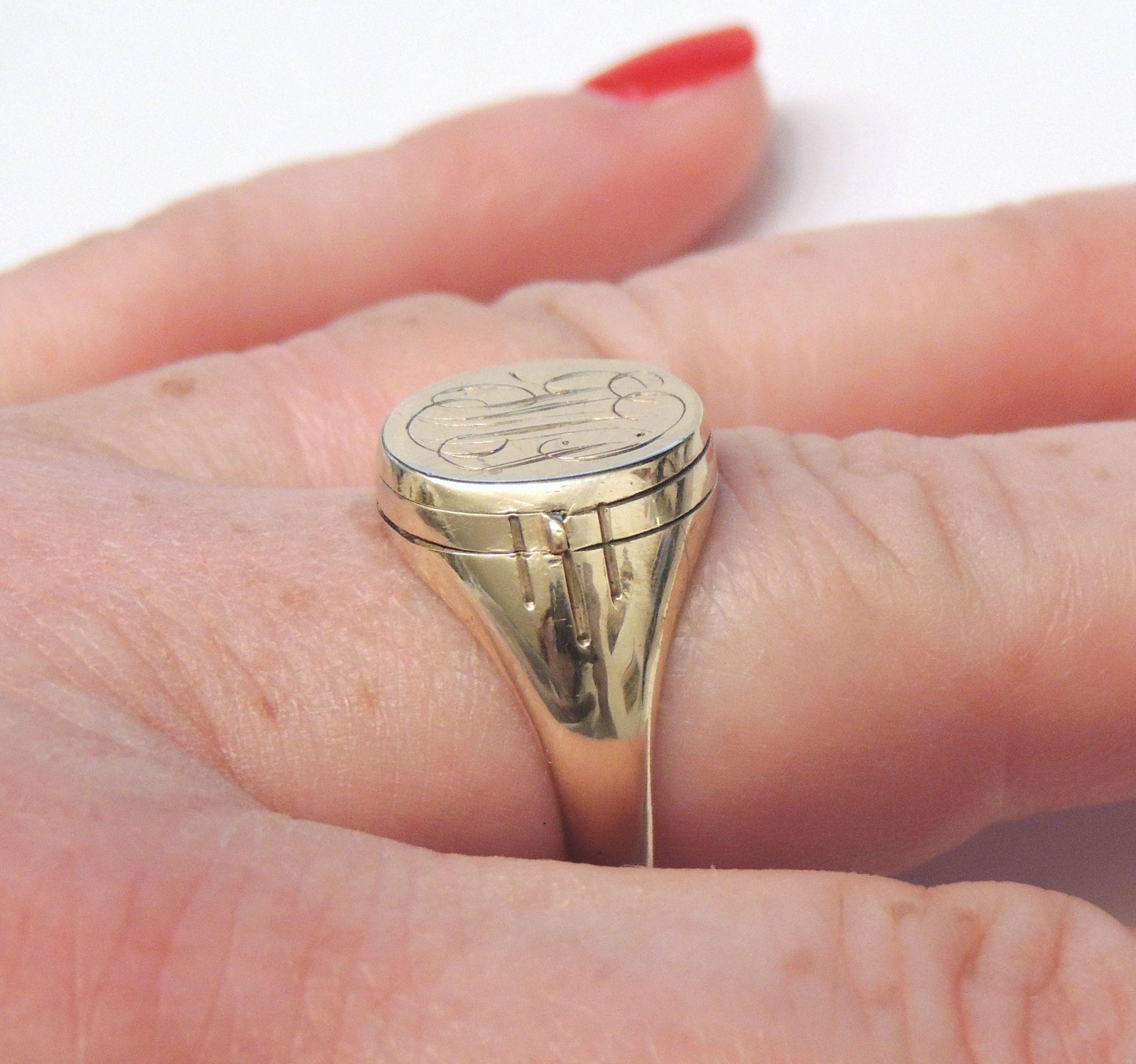 1940\'s 10K Signet Ring w/ Swing Out Photo Locket, Rare! sz 11, 10kt ...