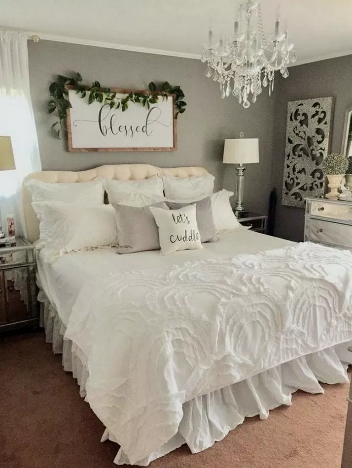 32 Outstanding Millennial Small Master Bedroom Ideas On A Budget Diy Decor Masterbedroomidea Home Decor Bedroom Master Bedrooms Decor Farmhouse Bedroom Decor