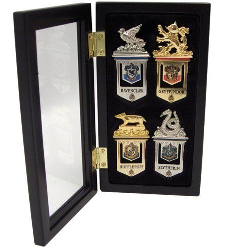 Harry Potter – Hogwarts Bookmarks – Plated in 24K gold and silver (set of four). This set comes with a bookmark for each of the houses of Hogwarts and comes in a beautiful display case.
