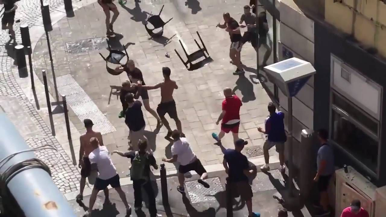 http://goo.gl/Y5FVELRussia and England fans clash Euro 2016 #copaamerica #EURO2016 #soccer #EuropeGP #EURO2016 violence Pankaj Pundir (@pankajpundir82) posted a photo on Twitter
