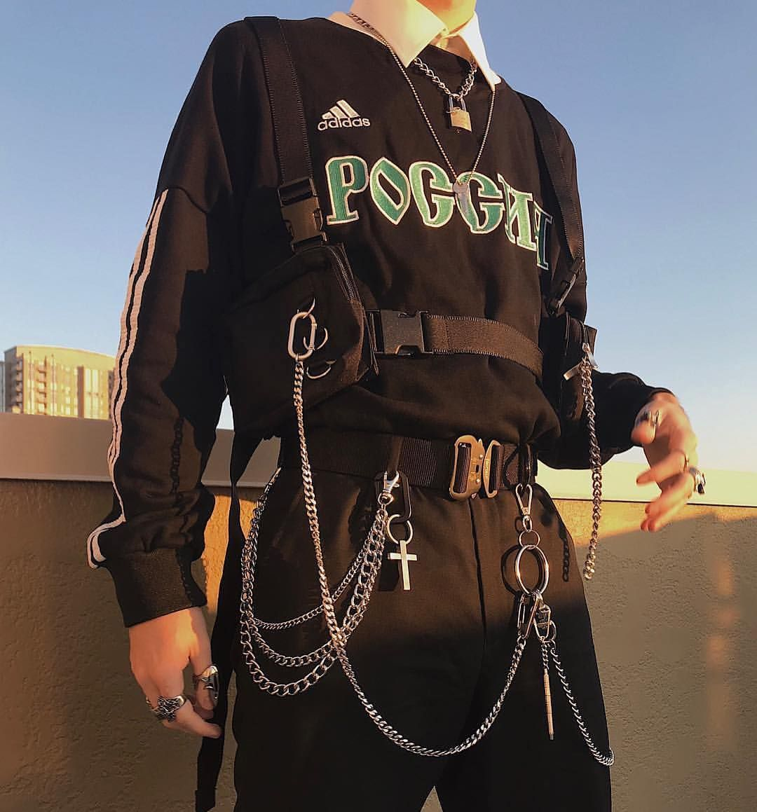 Streetwear On Instagram Needs More Chains Padlocks And Tactical Vests Gabrielgarcon Grunge Outfits Grunge Fashion Trendy Outfits