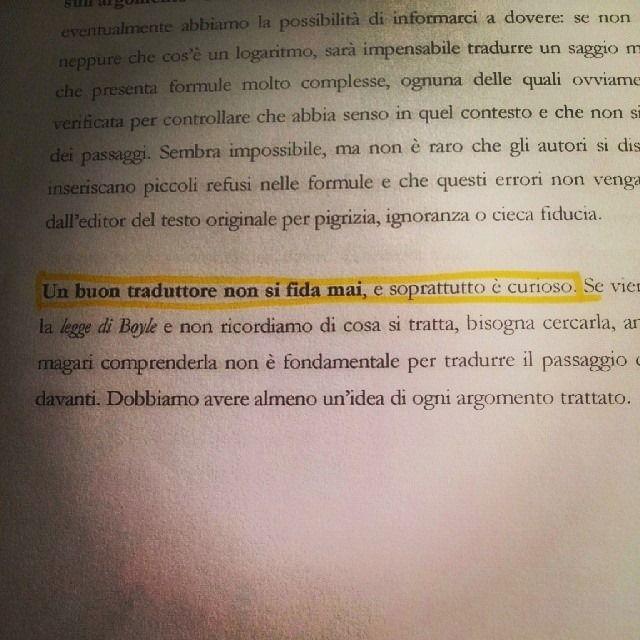 """Corsisti all'opera sulle nostre dispense: """"Un buon traduttore non si fida mai, e soprattutto è curioso""""!"""